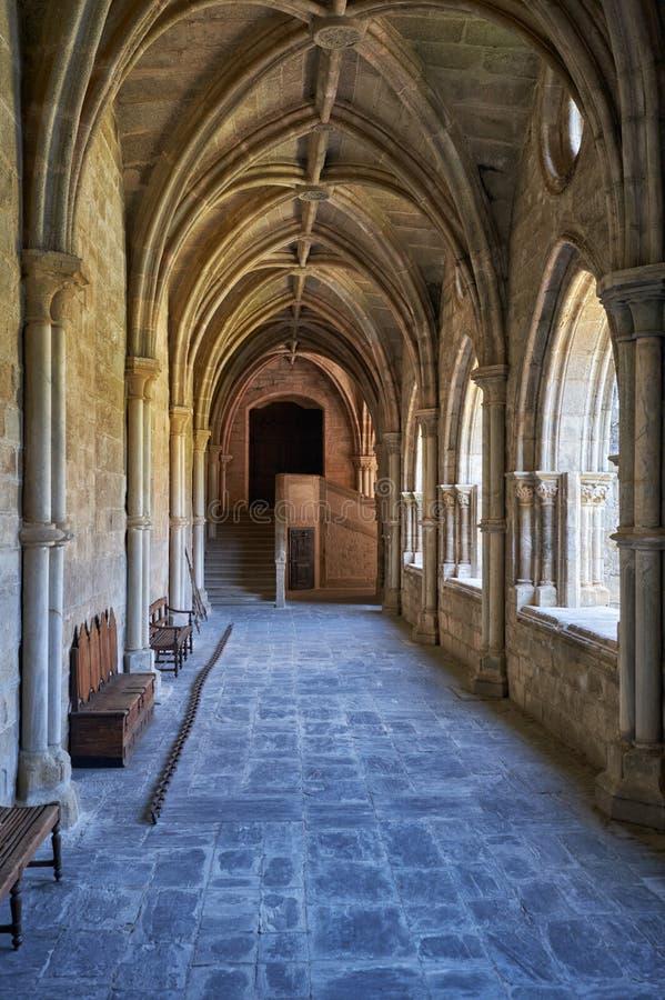 O interior do claustro do SE da catedral de Évora portugal foto de stock royalty free
