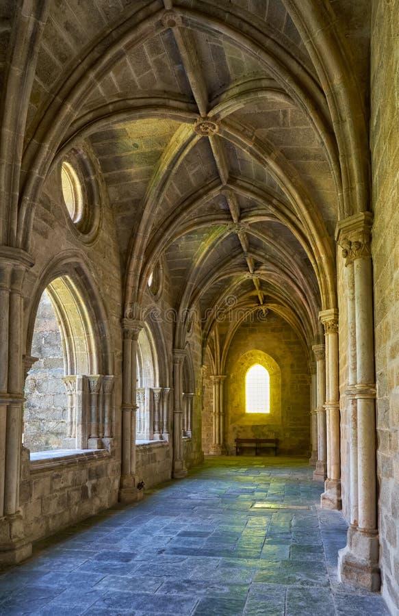 O interior do claustro do SE da catedral de Évora portugal imagens de stock royalty free