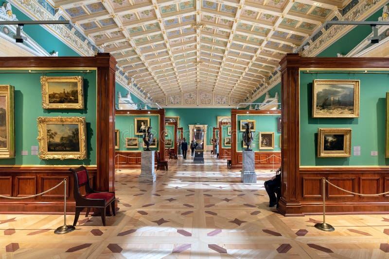 O interior o do eremitério do estado, de um museu de arte e da cultura imagens de stock