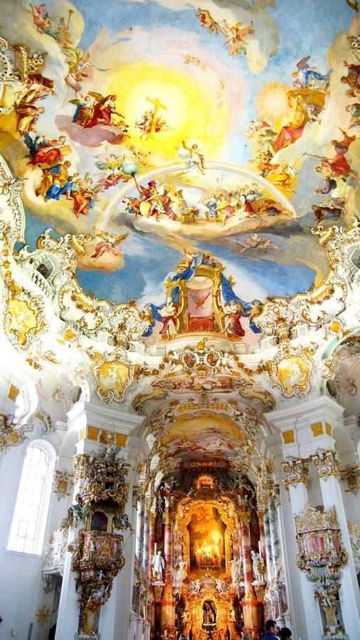 O interior luxuoso da igreja Wieskirche fotos de stock royalty free