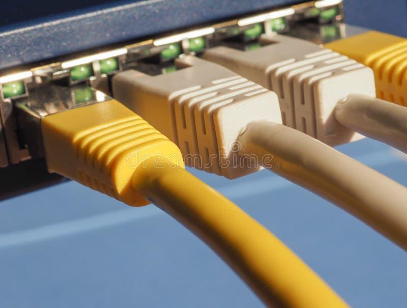 O interruptor do roteador do modem com ethernet RJ45 obstrui portos fotos de stock