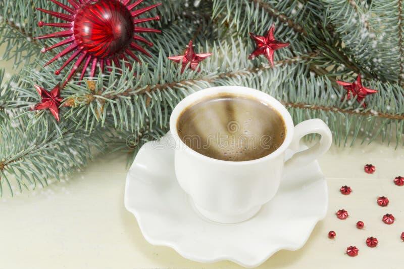 O inverno é hora para o café quente foto de stock