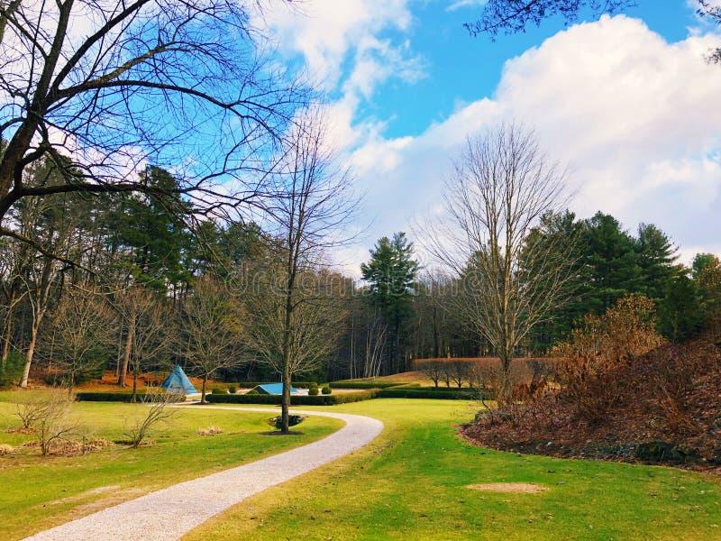 O jardim adiantado da mola da montagem fotografia de stock royalty free