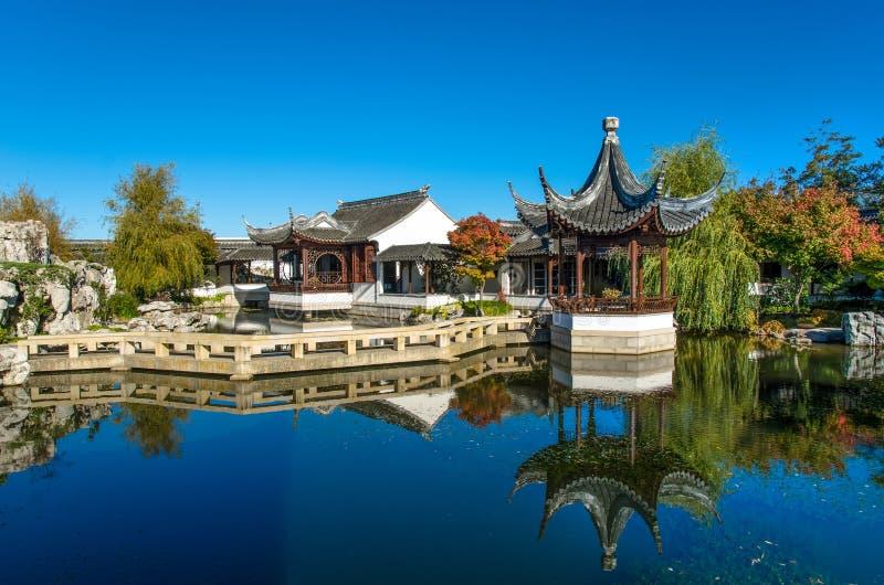 O jardim chinês de Dunedin em Nova Zelândia imagens de stock royalty free