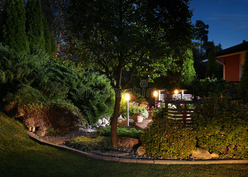 O jardim ilumina a iluminação imagem de stock royalty free
