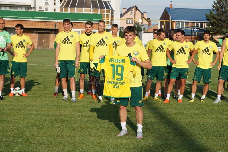 O jogador de futebol famoso Andrei Arshavin do russo transformou-se um jogador de FC Kuban imagens de stock