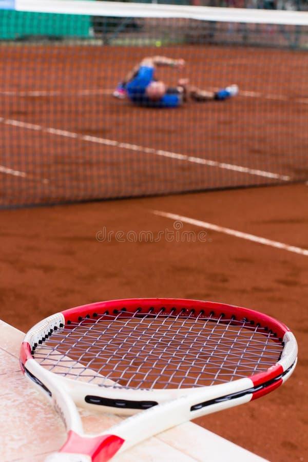 O jogador de tênis perdeu o jogo imagens de stock