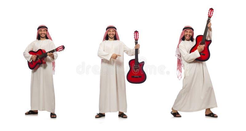 O jogo árabe do homem isolado no branco fotos de stock