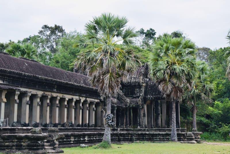 O Khmer da arquitetura de Angkor arruina a história foto de stock