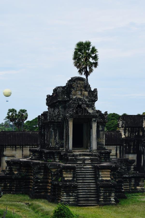 O Khmer da arquitetura de Angkor arruina a história foto de stock royalty free
