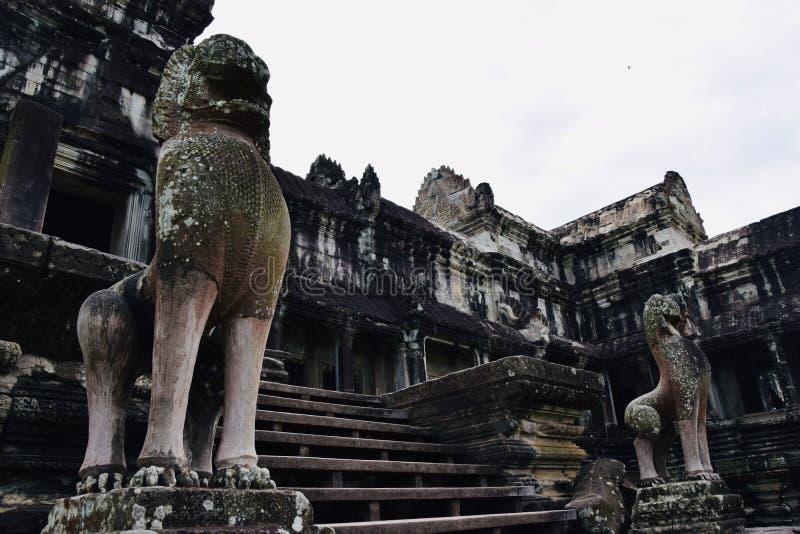 O Khmer da arquitetura de Angkor arruina a história fotografia de stock royalty free