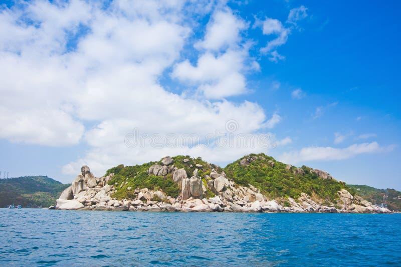 O Koh tao é uma ilha no Golfo da Tailândia em Surat Thani no fundo bonito da paisagem do turismo da natureza imagem de stock