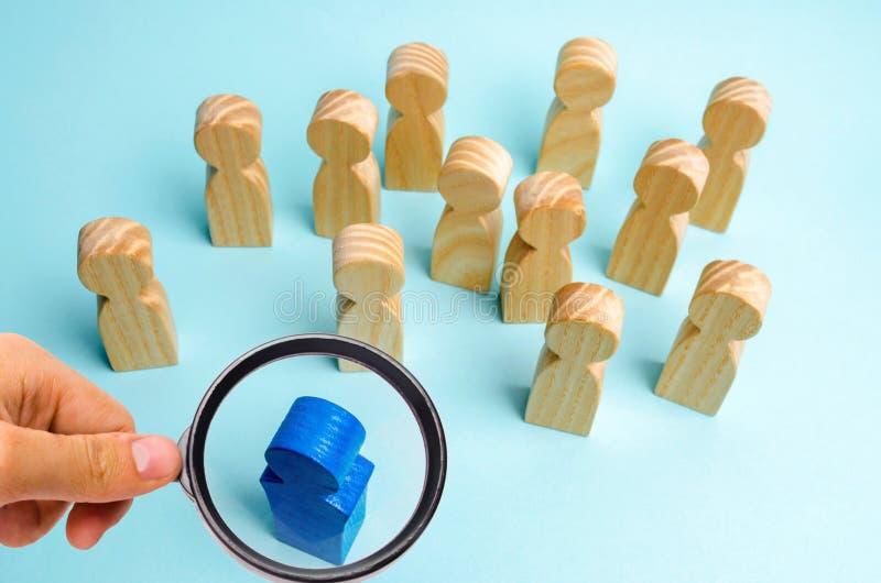 O líder comunica-se com a equipe e dá-se instruções Ajuste do planeamento empresarial e do objetivo teamwork Team Spirit humano foto de stock royalty free