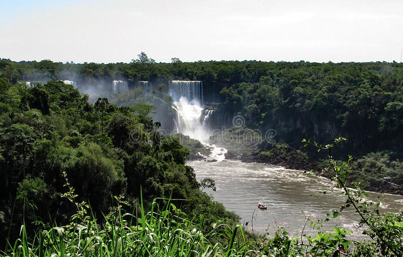 O lado brasileiro da Foz de Iguaçu, em Foz faz Iguacu, Brasil imagem de stock royalty free