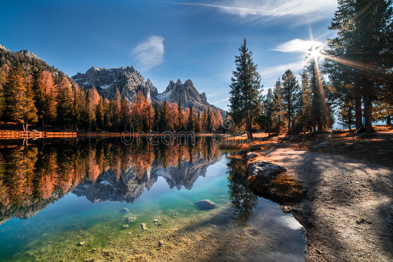 O lago Antorno fotografia de stock royalty free