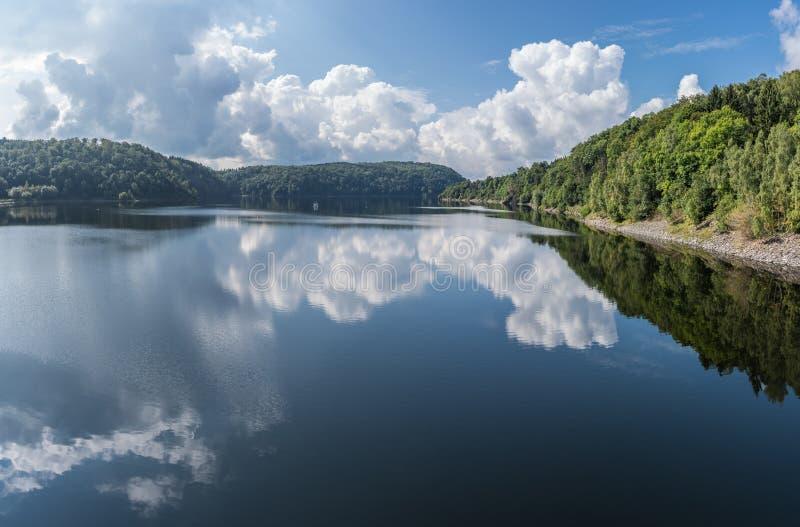 O lago dam de Rappbode em Harz, Alemanha fotografia de stock royalty free