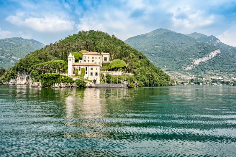 O lago o mais bonito no mundo Lago Como Lombardy, Italy imagens de stock