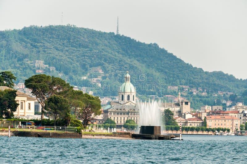 O lago o mais bonito no mundo Lago Como Lombardy, Italy fotografia de stock