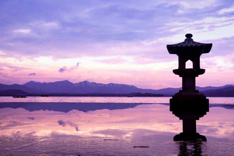 O lago ocidental em hangzhou, China imagens de stock royalty free
