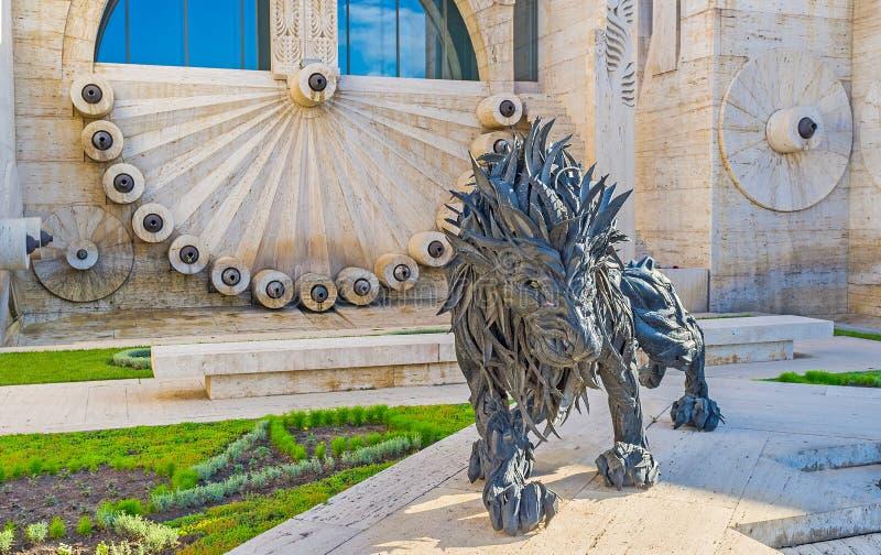 O leão de borracha em Yerevan imagens de stock royalty free