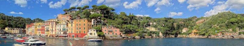 O litoral Ligurian que aproxima Portofino imagens de stock