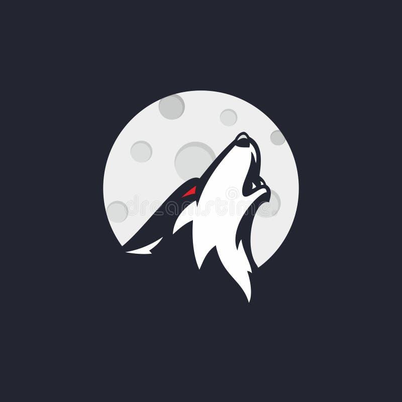 O lobo que estava fundindo na lua fotografia de stock royalty free