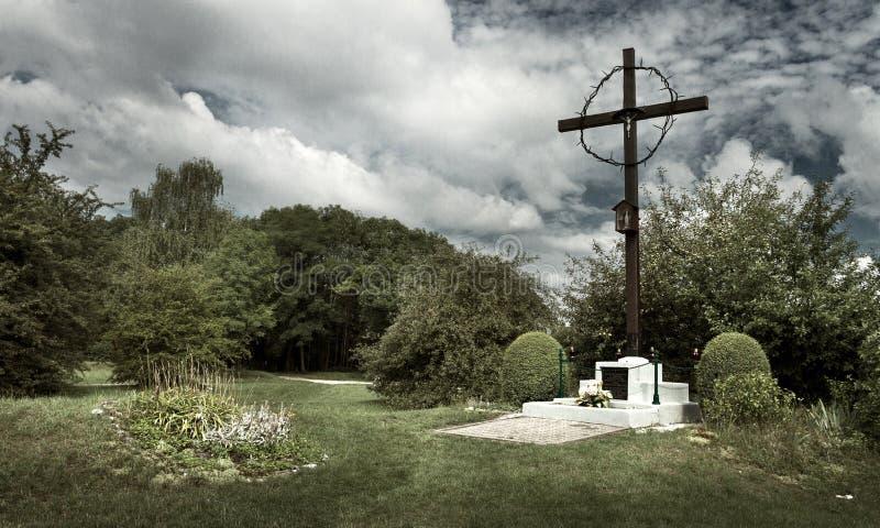 O lugar da sepultura maciça no campo de concentração alemão anterior Plaszow, Polônia fotos de stock royalty free