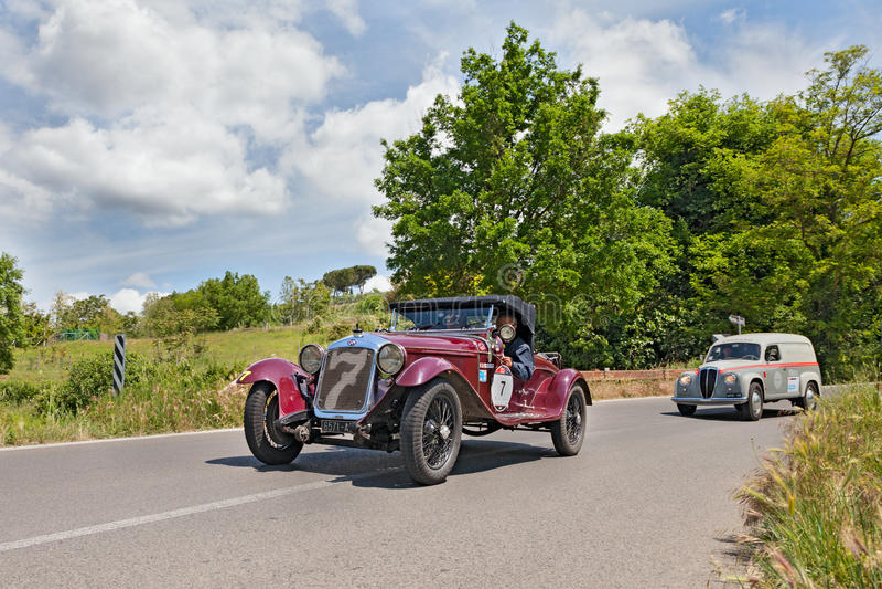 O M. 665 ss IL millimetro Superba (1930) funziona in Mille Miglia 2014 fotografia stock