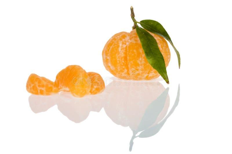 O mandarino descascado foto de stock