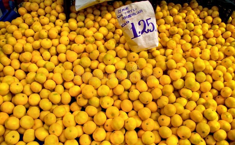O mandarino orgânico fresco fotografia de stock royalty free