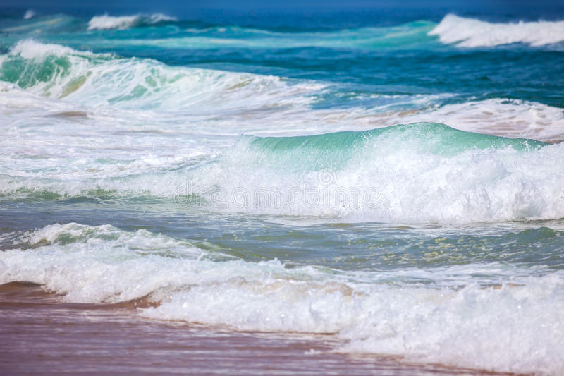 O mar acena o fundo - cores bonitas do verão fotografia de stock royalty free