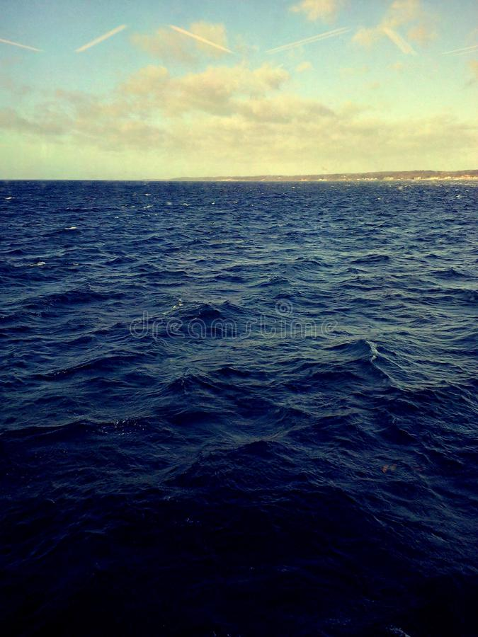 O mar do norte A Suécia está adiante! foto de stock