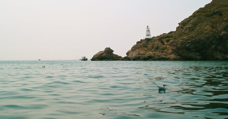 O Mar Negro e rochas foto de stock royalty free