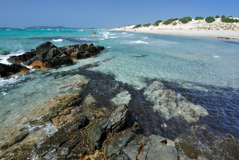 O mar praia de Sardinia, Italy - de Porto Pino foto de stock