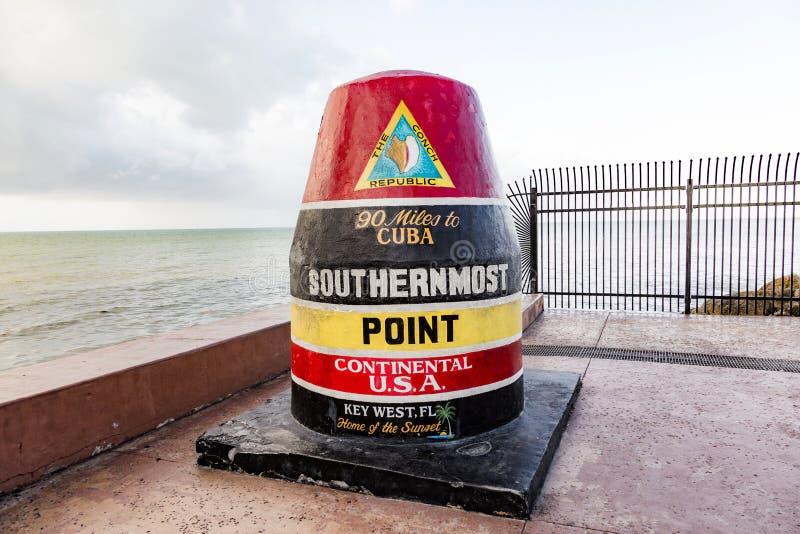 O marcador o mais southernmost do ponto, Key West, EUA imagens de stock