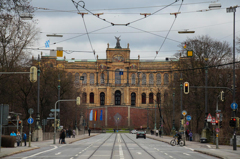 O Maximilianeum Construção apalaçada em Munich, Alemanha imagens de stock royalty free