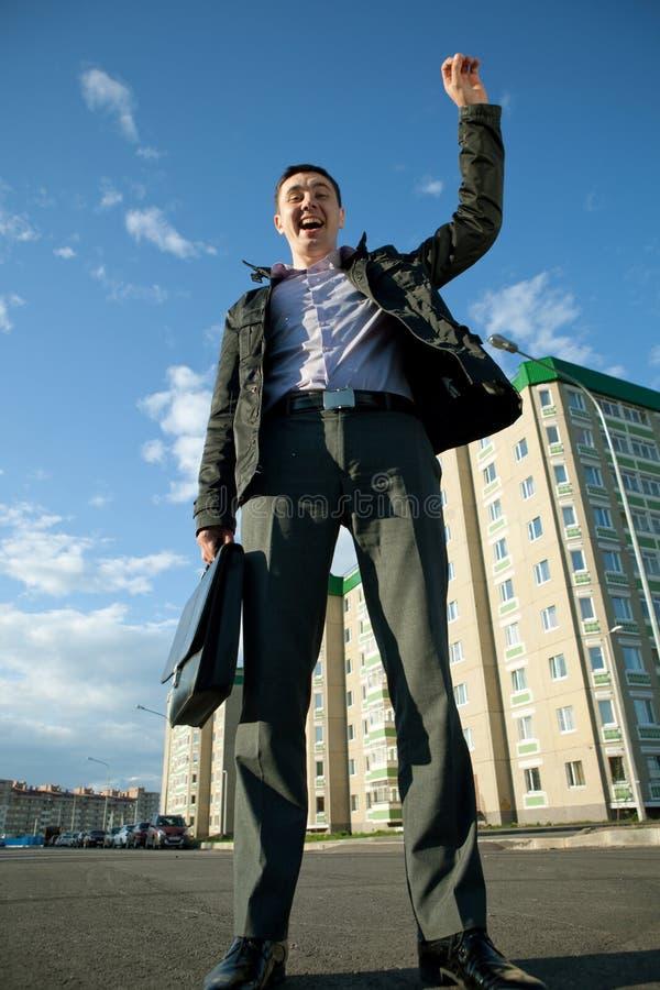 O mediador imobiliário tem um negócio vantajoso foto de stock