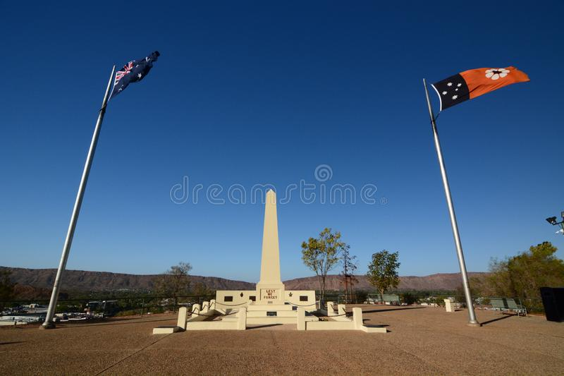 O memorial de Anzac Anzac Hill Alice Springs Centro vermelho Territ?rio do Norte austr?lia fotos de stock