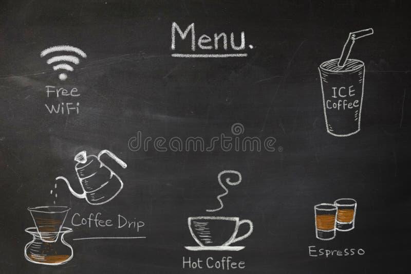 O menu do café no quadro escreve à mão para a cafetaria ou o café imagem de stock