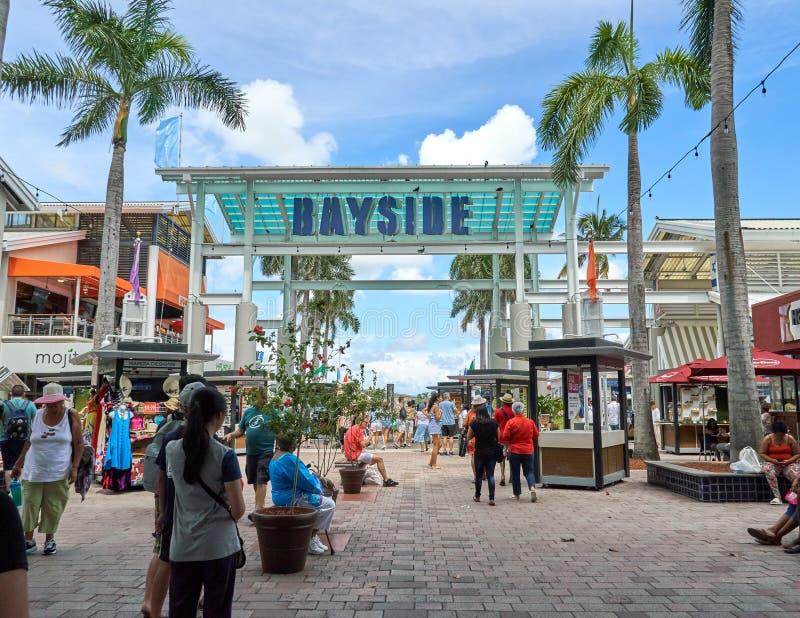 O mercado de Bayside assina dentro Miami imagens de stock royalty free