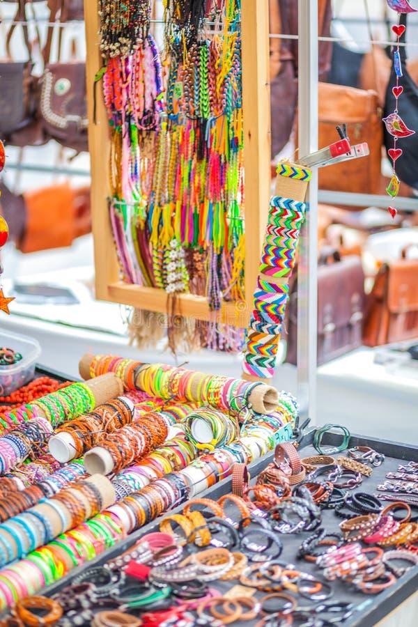 O mercado do hippy de Punta Arabi é um lugar famoso na ilha onde os artistas vendam ofícios feitos a mão e lembranças imagem de stock royalty free