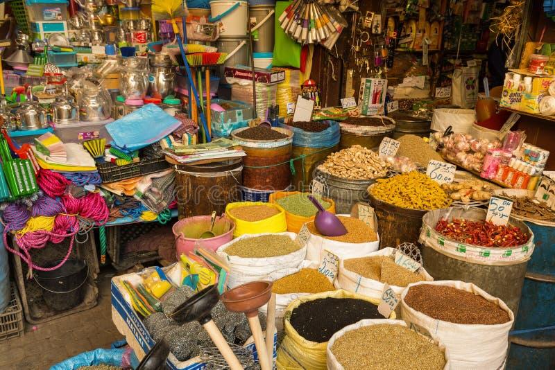 O mercado em Medina Fes, Marrocos foto de stock royalty free