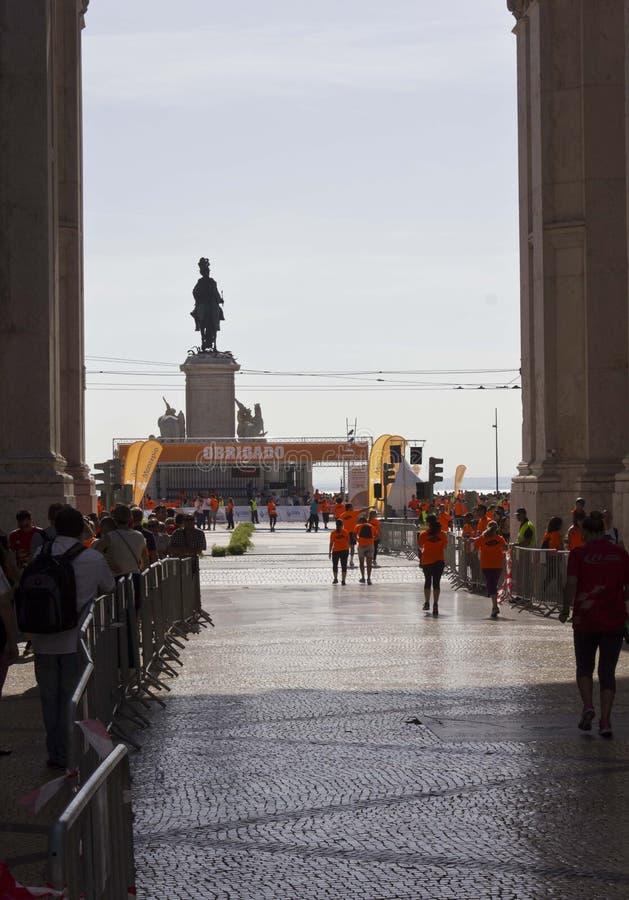 O meta da maratona de Lisboa em 2014 fotos de stock