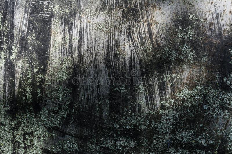 O metal cinzento da textura escura com pintura preta espirrada, fundo abstrato do grunge imagem de stock