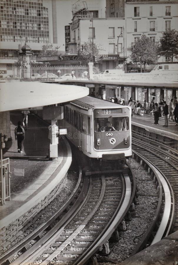 O metro parisien foto de stock royalty free