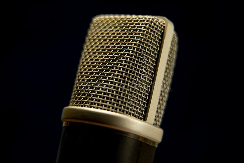 O microfone do estúdio fotografia de stock royalty free