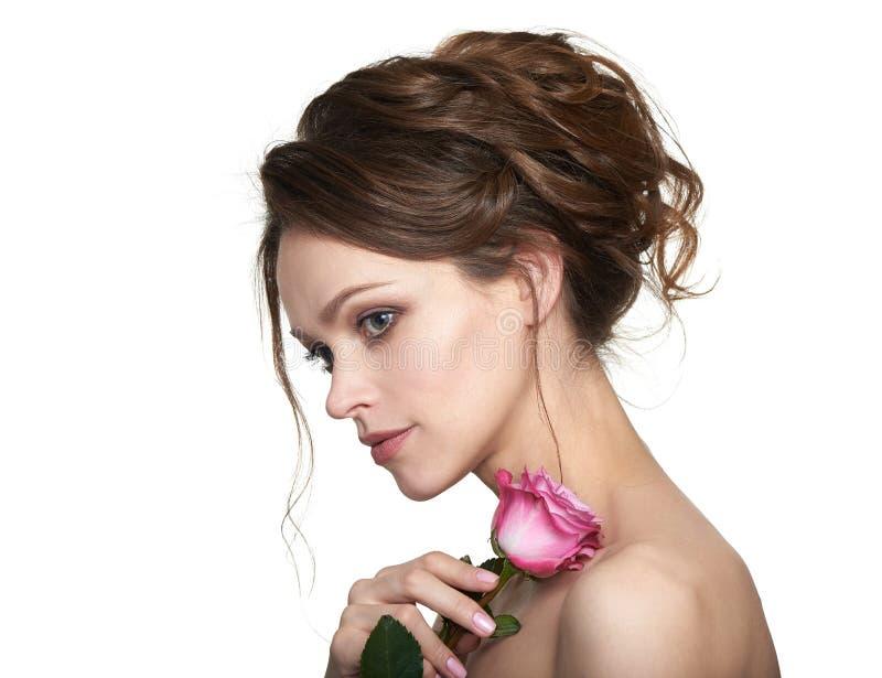 O modelo da beleza com natural comp?e Mulher do retrato da juventude e da pele Care imagem de stock