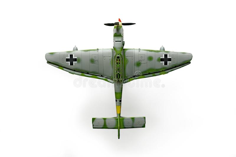 O modelo velho do brinquedo do avi?o dos Junkers Ju 87, chamado Stuka, bombardeiro de mergulho alem?o serviu as for?as da linha c fotografia de stock