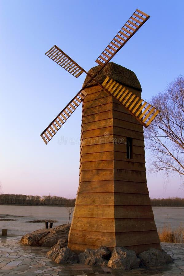 O moinho de vento foto de stock