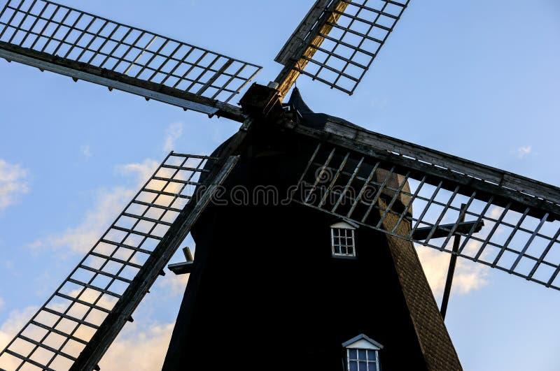 O moinho de vento velho imagem de stock